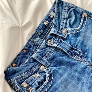 Miss Me Jeans - MISS ME bedazzled straight leg jeans